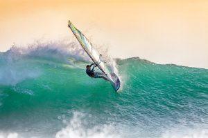 Lướt ván được nhiều người yêu thích